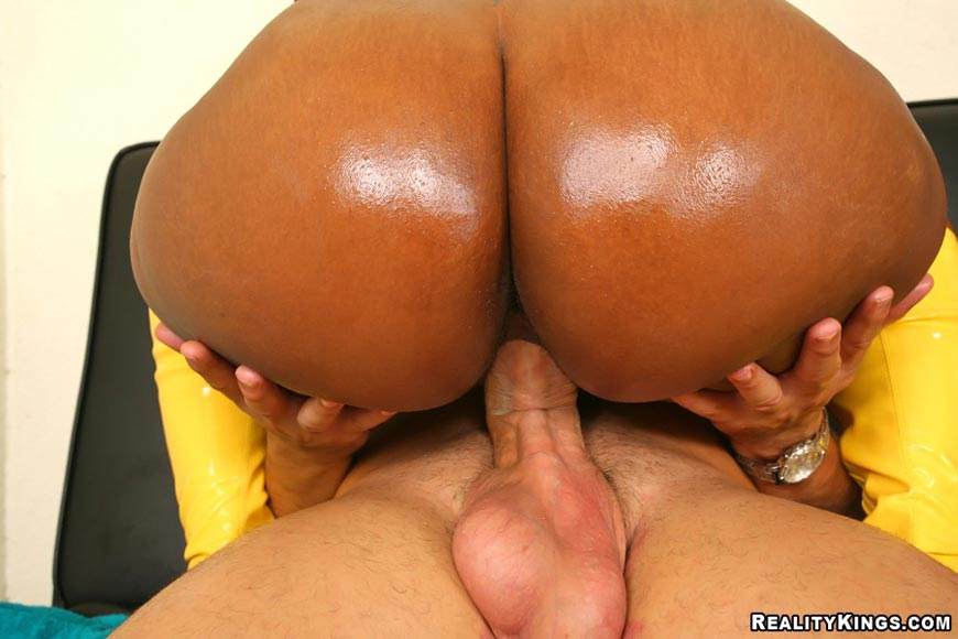 Huge ass ebony fucking