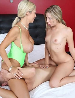 Mom daughter sex