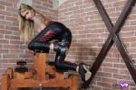 BDSM_looking_babe-04